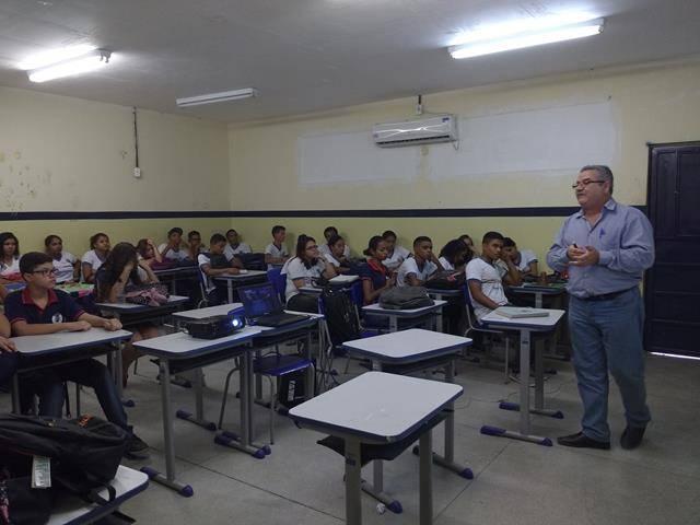 Atividades sobre recursos hídricos. Escola Humberto Soares. Petrolina-PE. 20-09-2016