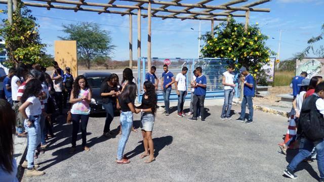Visita Técnica ao Cemafauna. Escola Antonilio da França Cardos. Juazeiro-BA. 02-06-2016 (3)