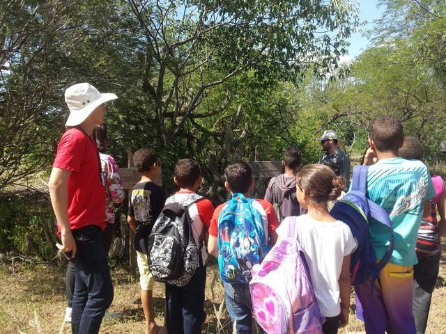 Atividade de visita aos laboratórios da Embrapa e trilha pela Caatinga – Escola Luis Cursino – Petrolina-PE – 11.03.16 ( (4)