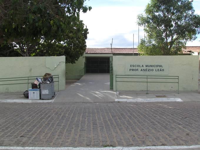 Escola Municipal ProfessorAnézio Leão