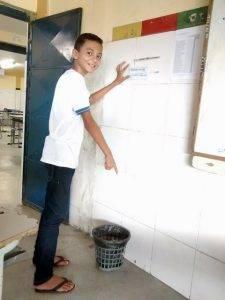 Adesivagem do PEV. Escola Joaquim André. Petrolina-PE. 09/12/2016.