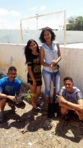 Atividades de Arborização. Escola Helena Celestino. Juazeiro-BA. 06/12/2016.